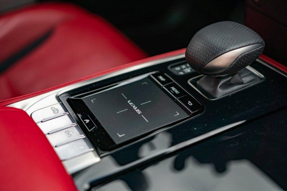 2019 Lexus LS500 F Sport
